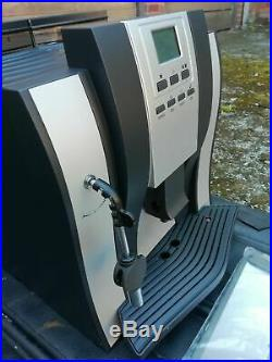 COFFEE Machine Beans To Cup Espresso Latte Cappuccino HARDLY USED ME709