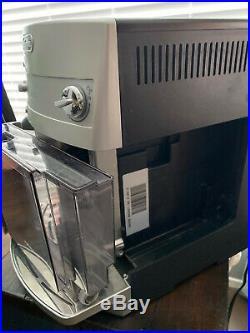 DELONGHI ESAM3300 Super Automatic Espresso/Coffee Machine EXCELLENT