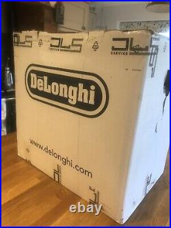 DeLonghi Magnifica Bean to Cup Coffee Machine. Condition is used