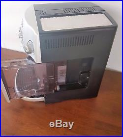 DeLonghi Magnifica ESAM4200. S Bean to Cup Espresso/Cappuccino Coffee Machine
