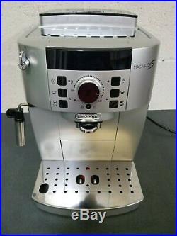 De'Longhi Fully Automatic Bean to Cup Coffee Machine ECAM22.110. SB, 220 W