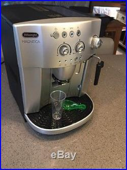 De'Longhi Magnifica Bean To Cup Espresso/ Cappuccino Coffee Machine Silver