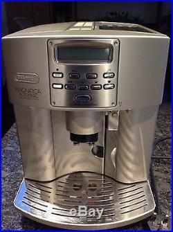De'Longhi Magnifica Bean to Cup Espresso/Cappuccino Coffee Machine