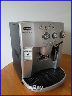 De'Longhi Magnifica Bean to Cup Espresso/Cappuccino Coffee Machine ESAM4200