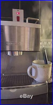 De'Longhi Stainless Steel 15 Bar Pump Coffee & Espresso Machine