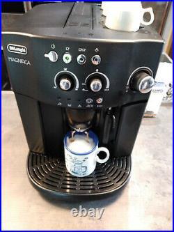 De'longhi Magnifica esam4000 Bean to Cup Black Coffee Machine with steam