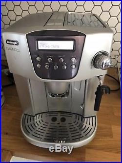 Delonghi Magnifica ESAM 4400 Super Automatic Espresso Coffee Machine Works Great