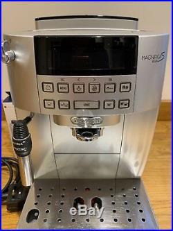 Delonghi Magnifica S Bean to Cup Coffee Espresso Machine Maker ECAM22.320. SB
