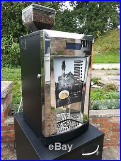 Espresso Essential Commercial Bean To Cup Coffee Hot Drinks Vending Machine