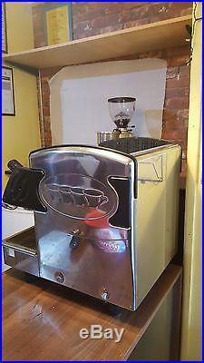 Expobar espresso 2 group coffee machine with 2 milk jags, tamper, 3 portafilter