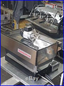 LA MARZOCCO 2 GROUP LINEA COFFEE ESPRESSO MACHINE, 2015 Model, The Best There Is